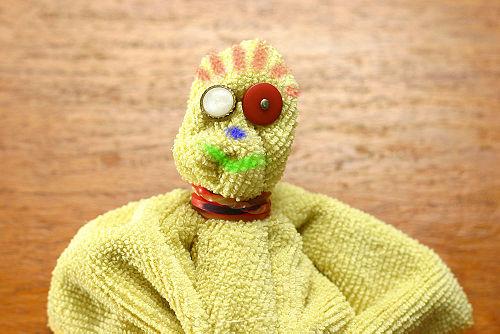 como hacer muñecas recicladas