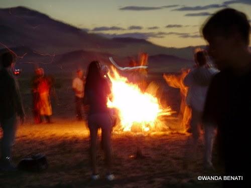 Mongoli,a rito sciamanico nel pieno dell'eclissi