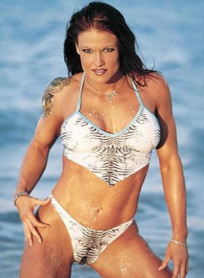 Lisa nicole carson huge breasts