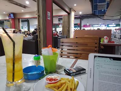 ngeblog di kafe