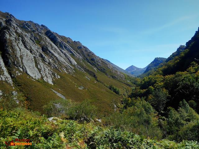 Desfiladero de Los Arrudos: Vista valle Roxecu