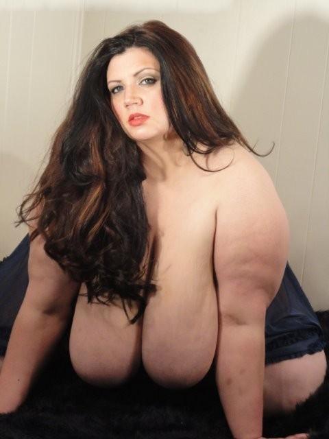 Naked Buxom 93