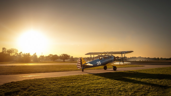Wallpaper: Boeing-Stearman Airplane