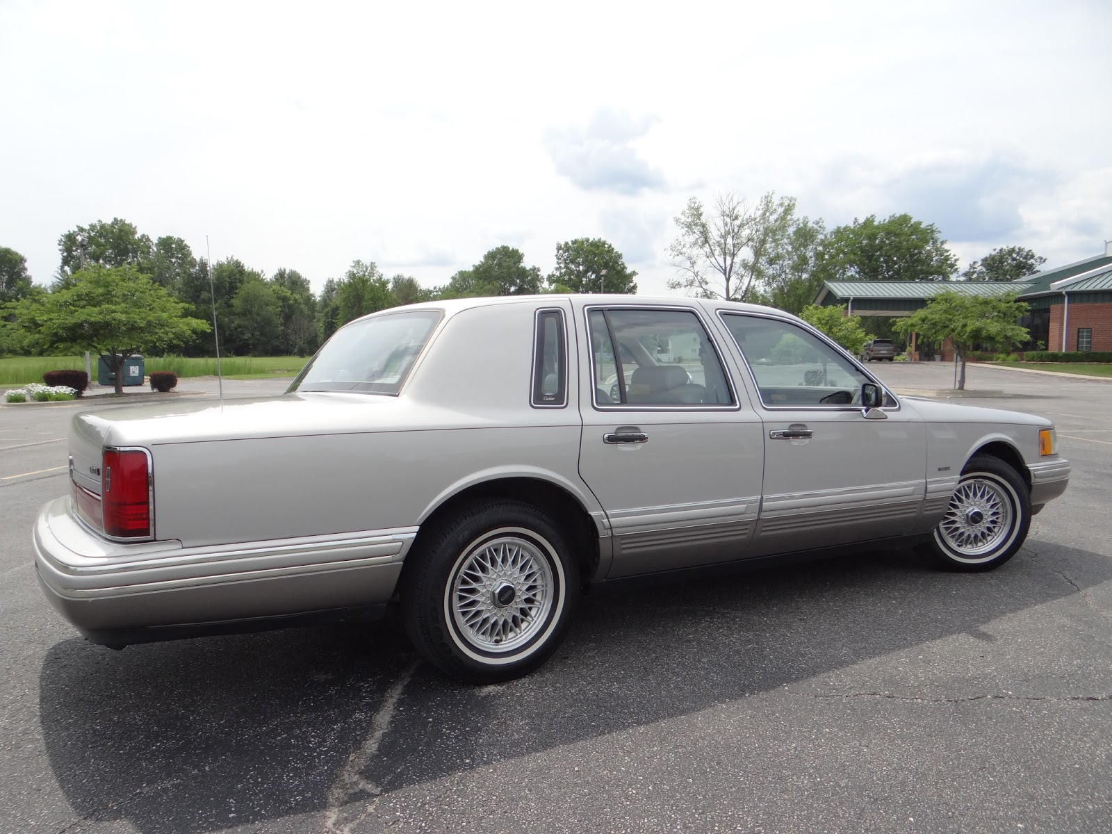 Retro Review 1991 Lincoln Town Car Cartier For Travel On A