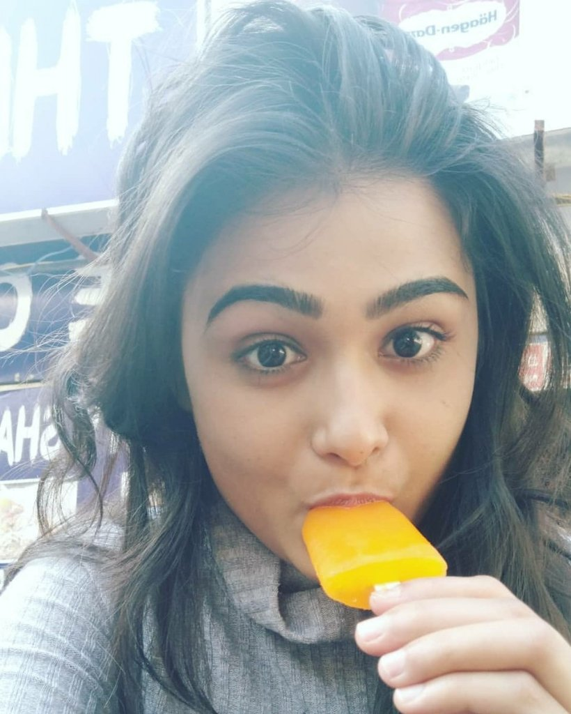Actress ShaliniPandey Latest HD Images