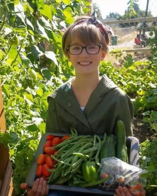 9歲女孩幫了流浪漢,還改變了世界對流浪漢的態度!