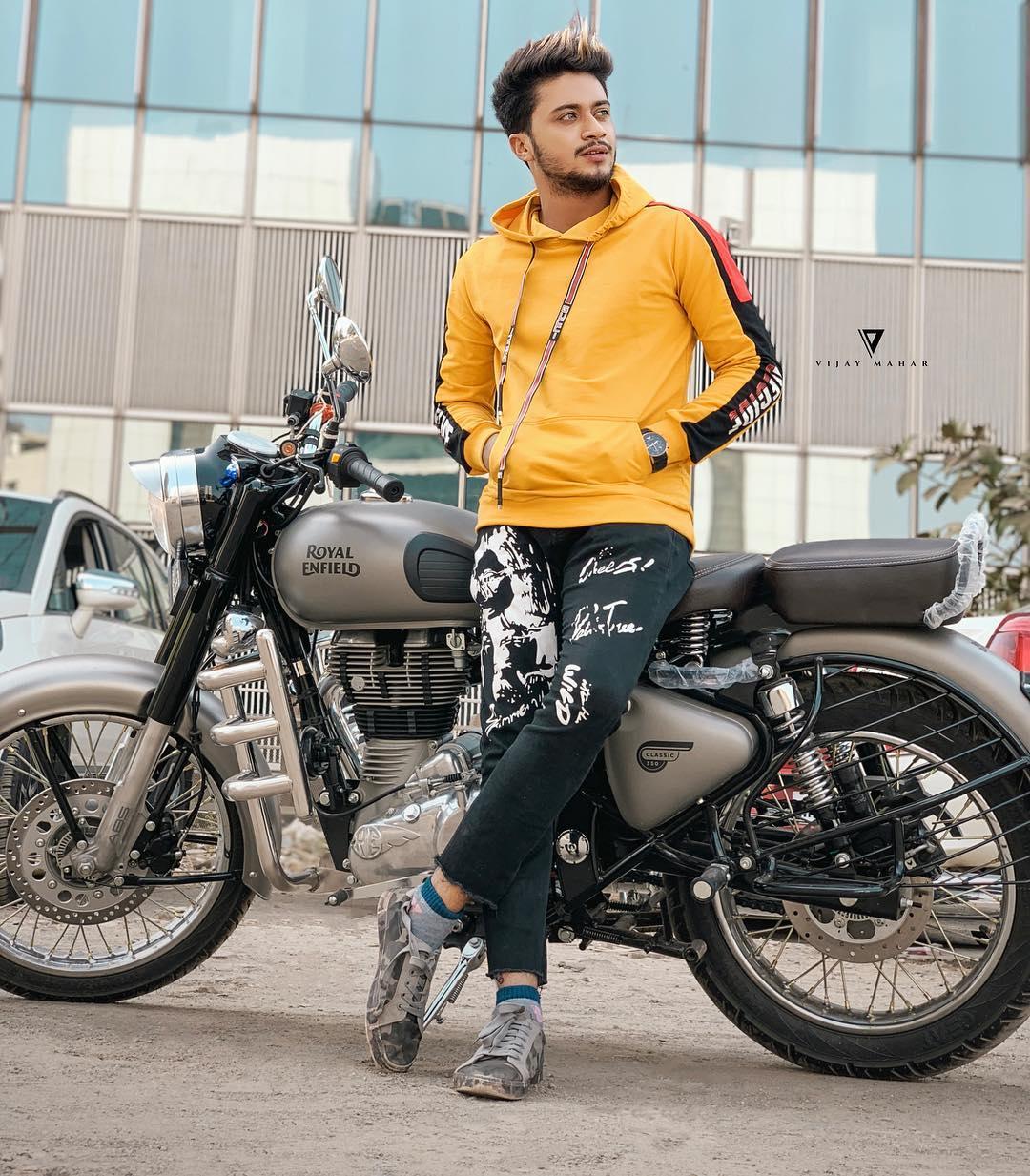 Hasnain Khan (TikTok Star) Wiki, Age, Bike, Bio, Girlfriend, Income & More
