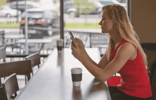 6 Ways To Track Your Boyfriend's Phone Without Him Knowing