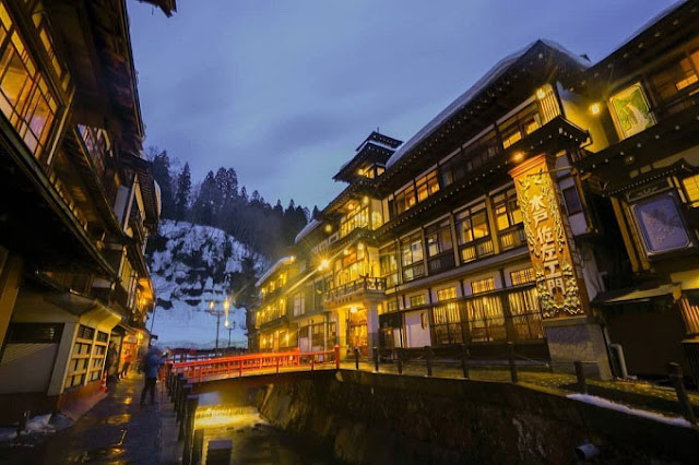The most beautiful villages in Japan in Winter Ginzan Onsen
