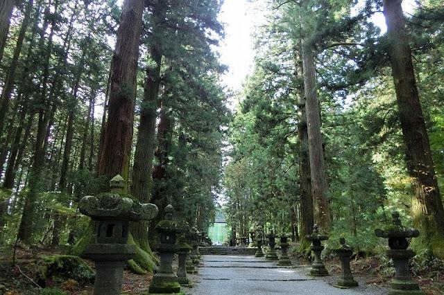 北口本宮冨士浅間神社は鳥居をくぐったら別世界!