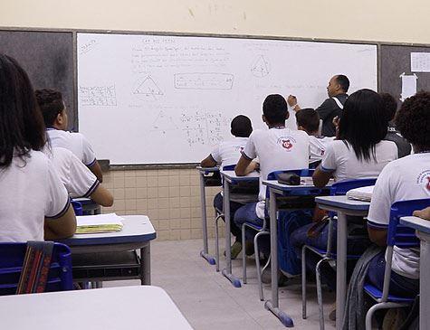 Alfabetização será avaliada por gestão Bolsonaro só em amostra de escolas
