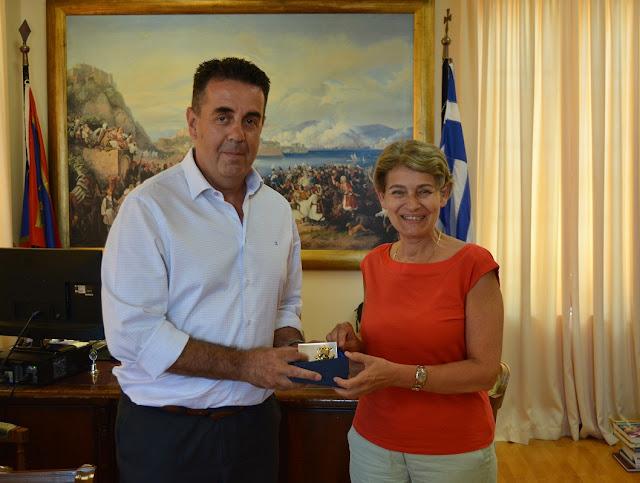 Τον Δήμαρχο Ναυπλιέων Δημήτρη Κωστούρο επισκέφθηκε η Γενική Διευθύντρια της UNESCO Irina Bokova