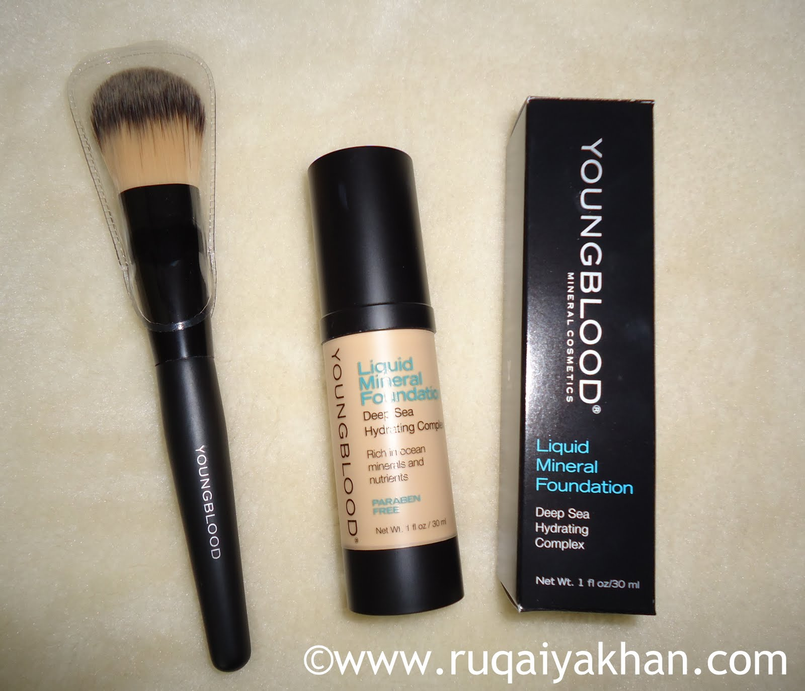 Sidste nye Ruqaiya Khan: Young Blood Liquid Mineral Foundation in Shell and SG-92