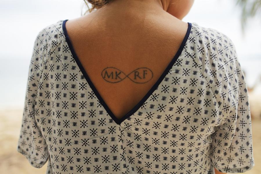 rücken tattoo ausschnitt