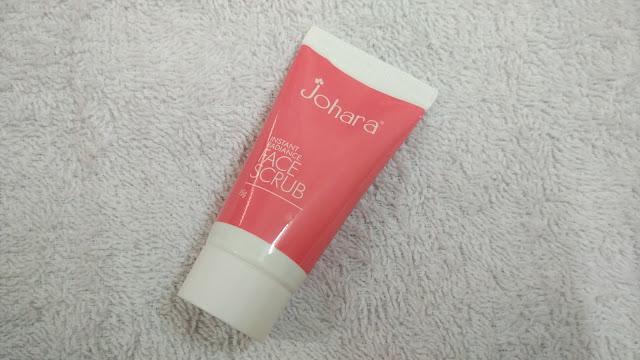 Johara Instant Radiance Face Scrub 1