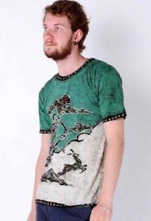 Kaos Batik Modern untuk Anak Muda
