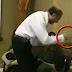 Pastor cristiano golpea brutalmente a una mujer que se negó a dar diezmo.