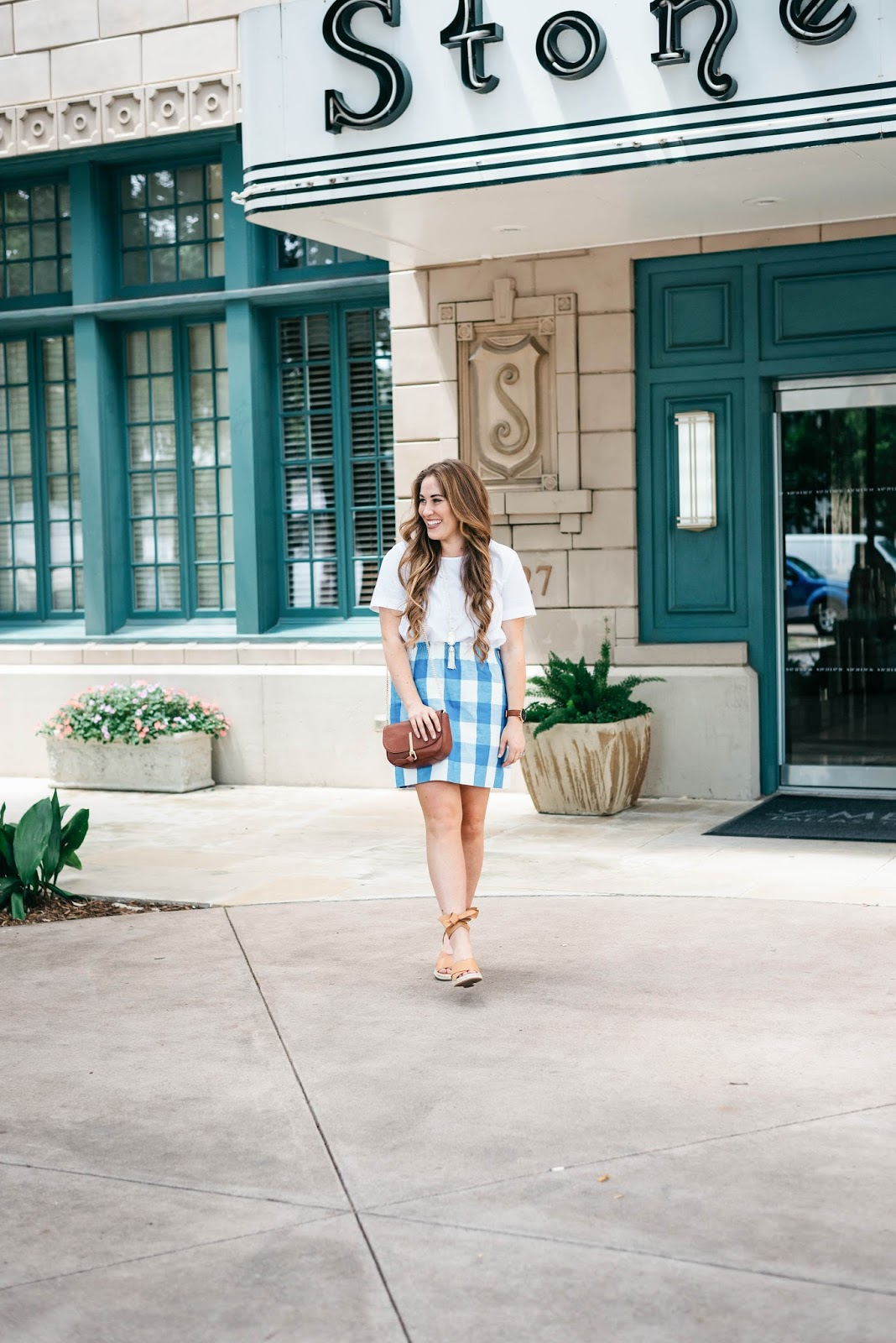 Trend Spin Linkup - Summer Style by fashion blogger Laura of Walking in Memphis in High Heels