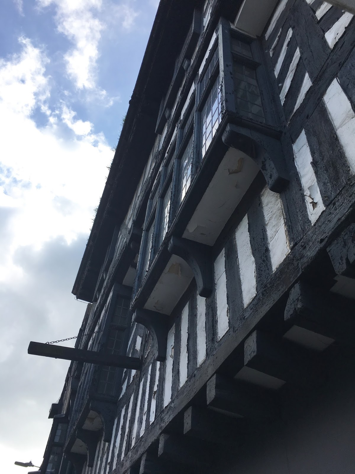 Stratford Upon Avon \ Architecture  \ William Travel \ Priceless Life of Mine \ Over 40 lifestyle blog