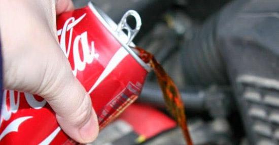 Truques de Limpeza com Coca-Cola - Limpeza do motor do carro