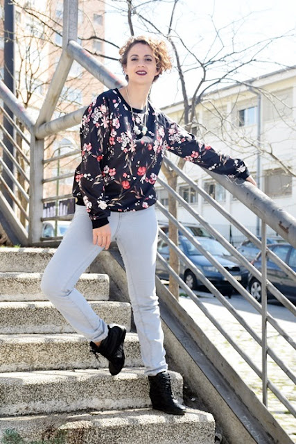 Outfit-Sudadera-flores-6