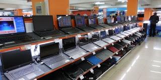 магазин ноутбуки витрина