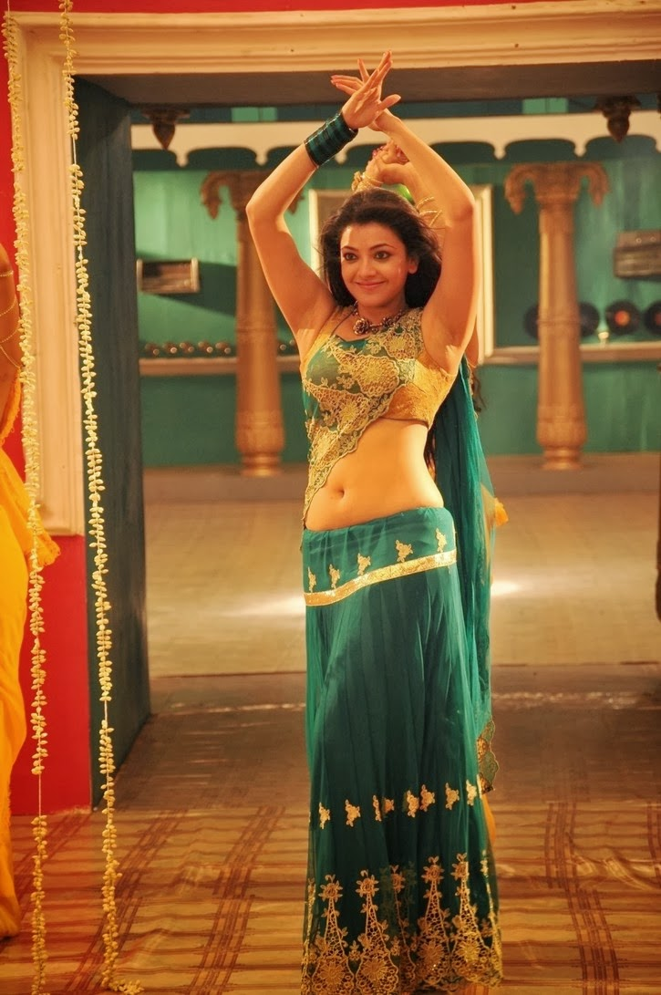 Kajal Agarwal Latest Hot Navel Show Pics From All In All