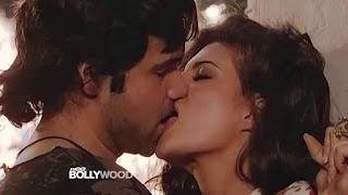 Emraan Hashmi And Jacqueline Fernandez Drinking Each Others Lips