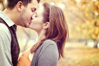 öpüşme yolu ile bulaşan bulaşıcı hastalıkları çok tehlikelidir . Dikkat etmenizi ve öpüştüğünüz insanlara dikkat etmenizi öneririz .