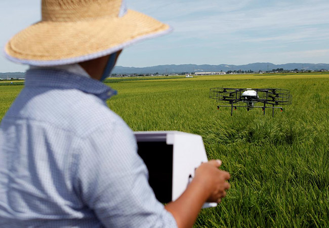 Tinuku Japan's aging farmers to take high-tech drones