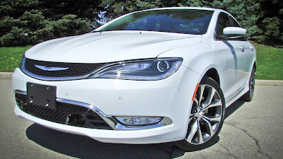 Chrysler 200 Sedan front headlight Hd Pictures