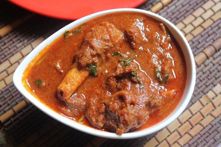 YUMMY TUMMY: Spicy Mutton Curry Recipe / Basic Lamb Curry Recipe