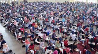 http://www.unja.ac.id/2016/08/08/1873-calon-mahasiswa-ikuti-ujian-slm-unja/