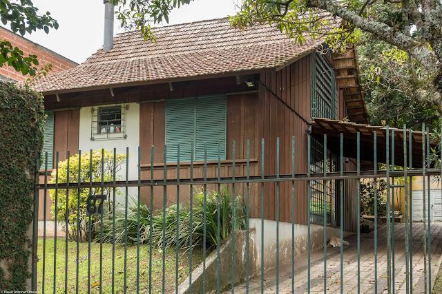 Casa de madeira na Visconde do Rio Branco