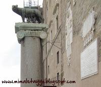 Réplica de la loba capitolina en Roma