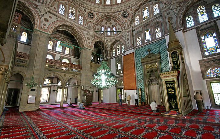 istanbuldaki camilerin içine ait resimler