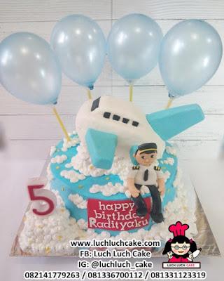 Kue Tart Pilot Pesawat Garuda Airlines