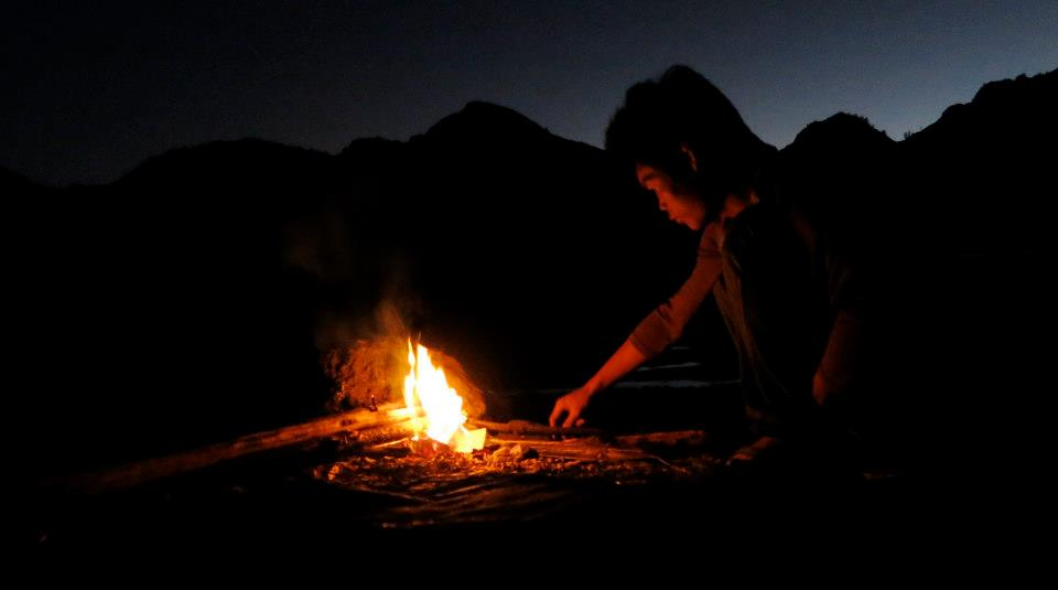 Api unggun di Danau Segara Anak, Gunung Rinjani