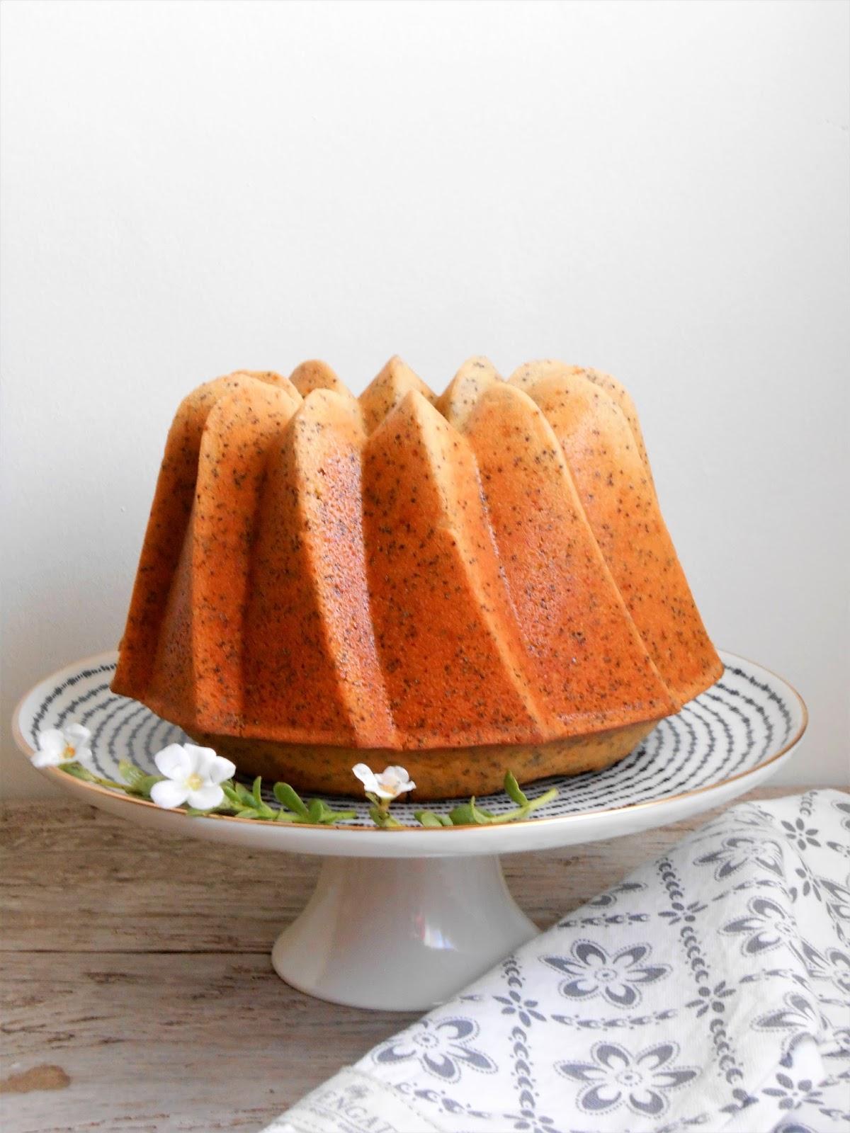 Bundt-cake-limon-semillas-amapola