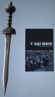 Portada del libro Gas Mask, de Santiago Eximeno