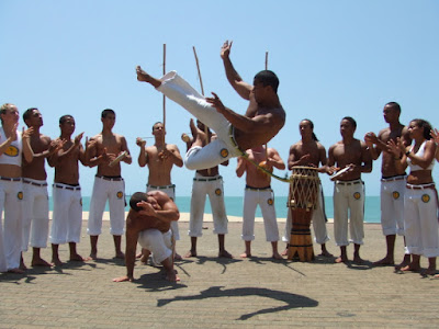 capoeira, capoeiristas, brasil, portugués, traducciones, traductora, bahia, salvador, cultura, berimbau