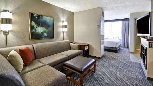 Hyatt Place Las Vegas is a modern hotel with a milder approach to the gambling capital of the world. There simply isn't a better hotel for families in Sin City.