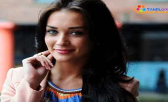 Amy Jackson Also Played A Robot Role In Rajini's 2.O !