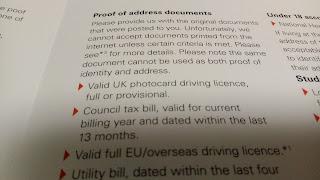 銀行のパンフレットにのっていた住所証明に使える書類の一部