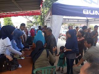 Masyarakat Kayuagung Terima Bantuan 1000 Sembako Dari PT Waskita
