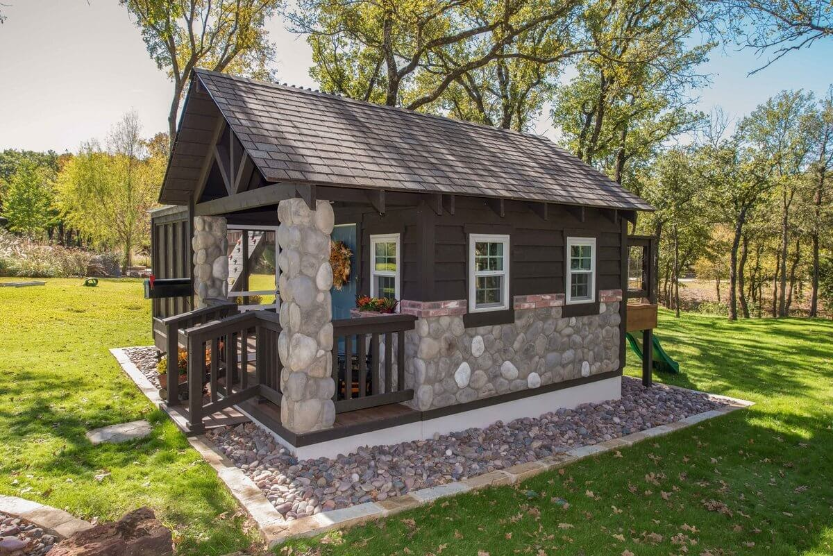 10-Side-View-GDB-Architecture-Tiny-House-Playhouse-www-designstack-co