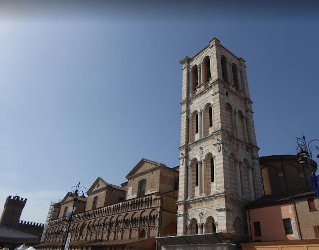 il campanile della cattedrale di ferrara
