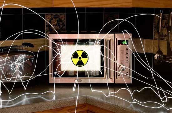 radiatiile emise de cuptoarele cu microunde sunt foarte periculoase