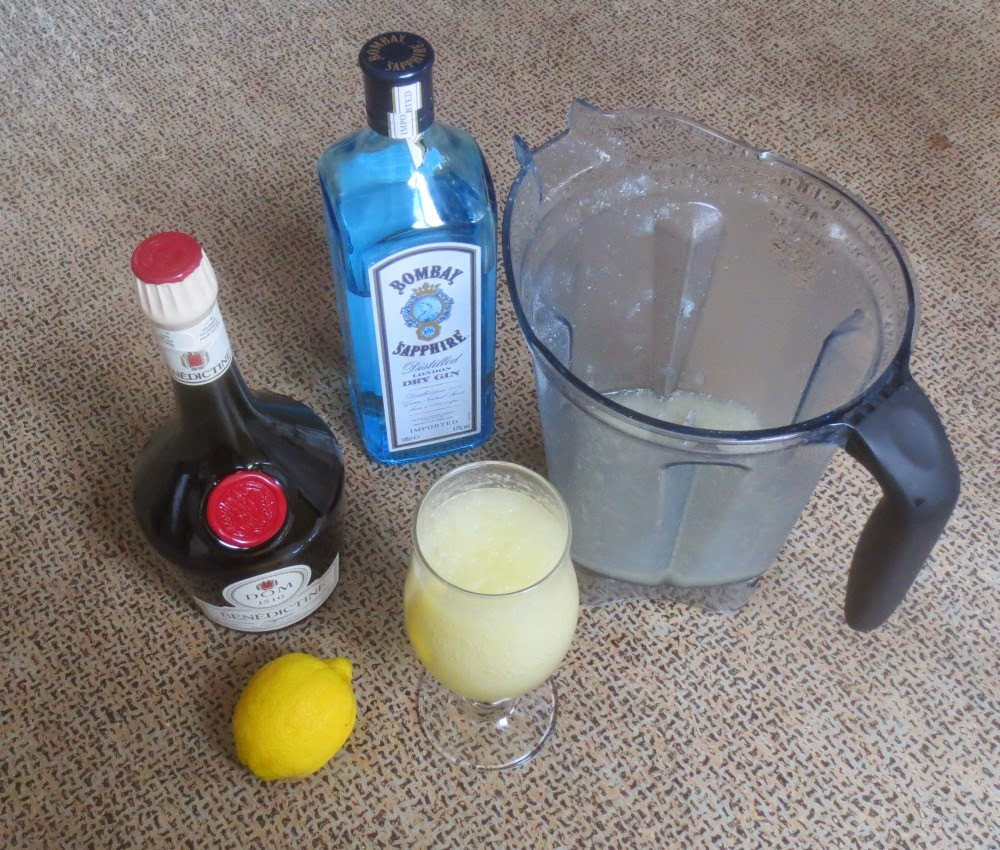 Bénédictine-Zitronen-Spritz