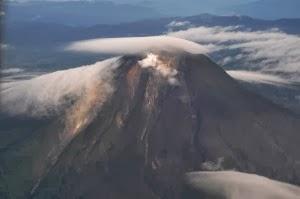 Gunung Sinabung dari Langit